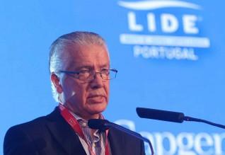 António Saraiva.