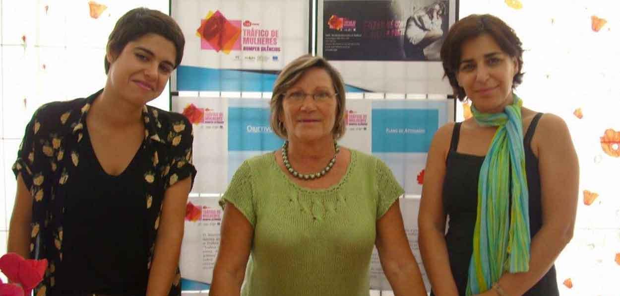 Patrícia Guimarães, Leonor Agulhas e Sandra Benfica, membros do MDM.