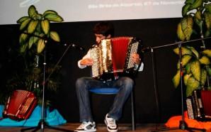 Jovens acordeonistas algarvios mostram talento no Cineteatro de São Brás…