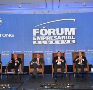 Painel «Financiamento para o crescimento»: Luís Ferreira Lopes, José Maria Ricciardi, Luís Laginha de Sousa, Francisco de Lacerda, Luís Magalhães e José Miguel Gomes da Costa.