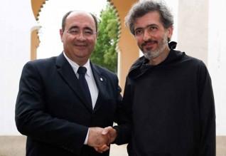 Rogério Bacalhau, presidente da Câmara Municipal de Faro com o poeta Luís Quintais.