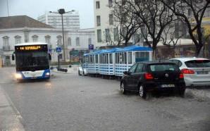 Mau tempo em Faro resultou em 35 pedidos de socorro
