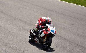 O piloto Miguel Praia ultrapassou os 300 km/h aos comandos da Yamaha R1M, com motor de 250 cavalos de potência (230 à roda), numa demonstração à imprensa, no Autódromo Internacional do Algarve (AIA), em Portimão.