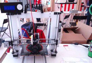 i3Saleiro, uma impressora 3D melhorada a partir do modelo open source Prusa i3.