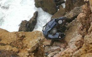 Viatura cai 50 metros em falésia de Sagres