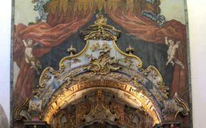 Concluída a intervenção no altar da Igreja de São Pedro…