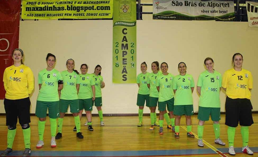 9aae97bd93 Equipa sénior do GDC Machados é tricampeã do Algarve em futsal feminino