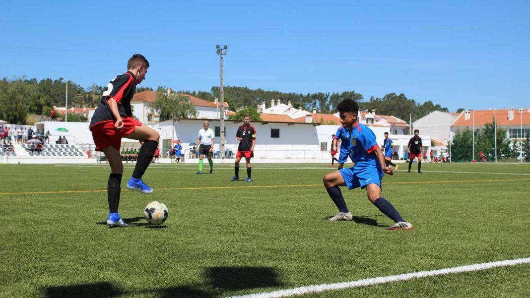 Olhão e Ferreiras recebem torneios de futebol juvenil