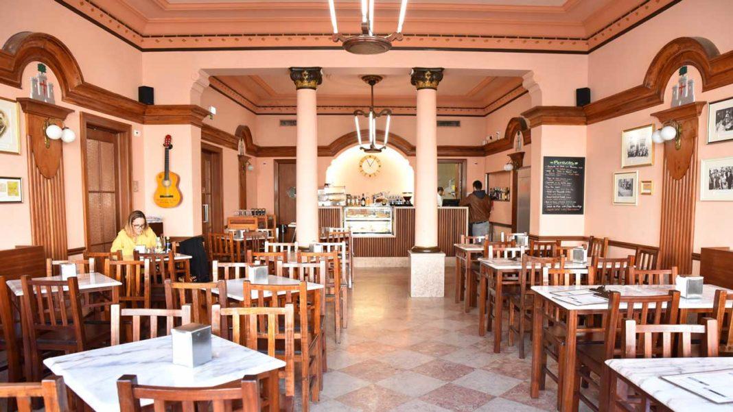 Café Calcinha faz parte da Associação dos Cafés com História de Portugal..