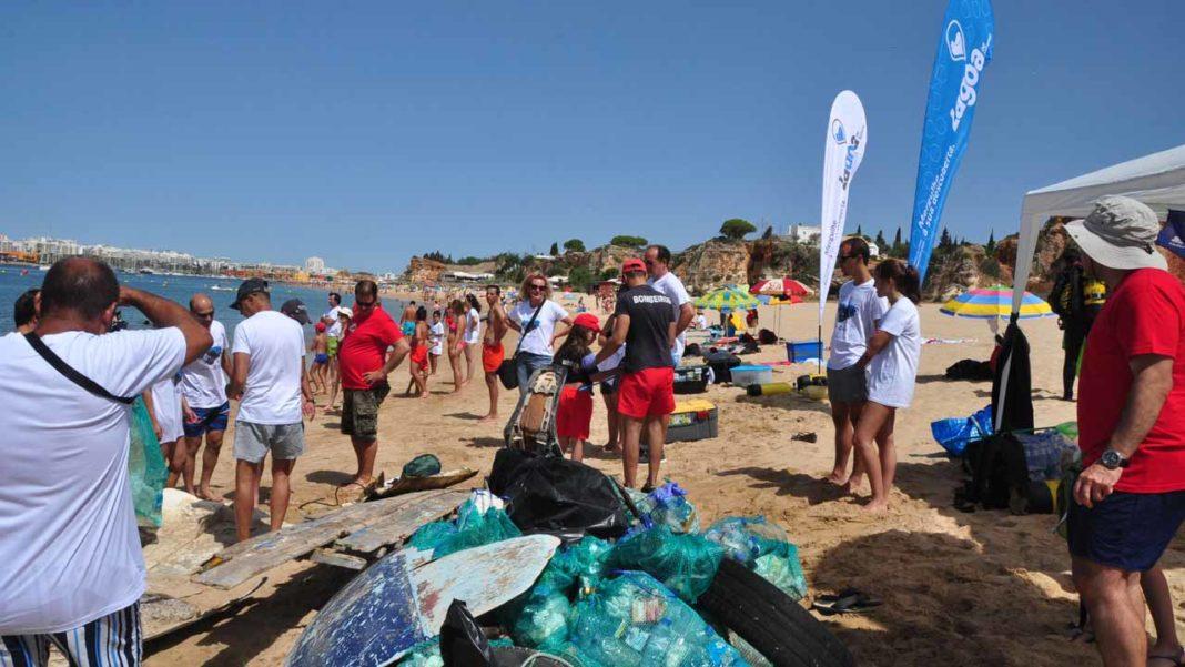 «Vamos limpar o mar» em Lagoa