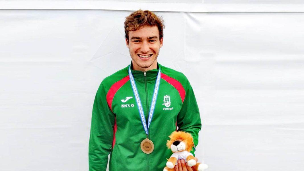 Atleta do Kayak Clube Castores do Arade conquista bronze no Europeu