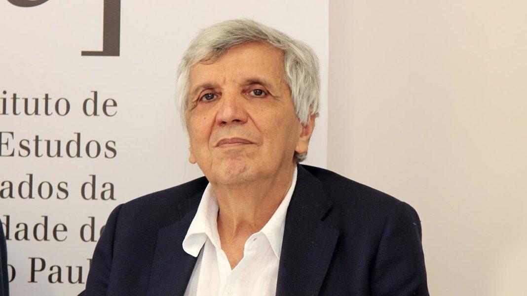 Álvaro Vasconcelos apresenta livro em Lagoa