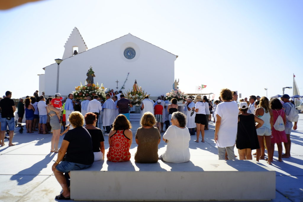 Missa ao ar livre, junto à Capela da Culatra.