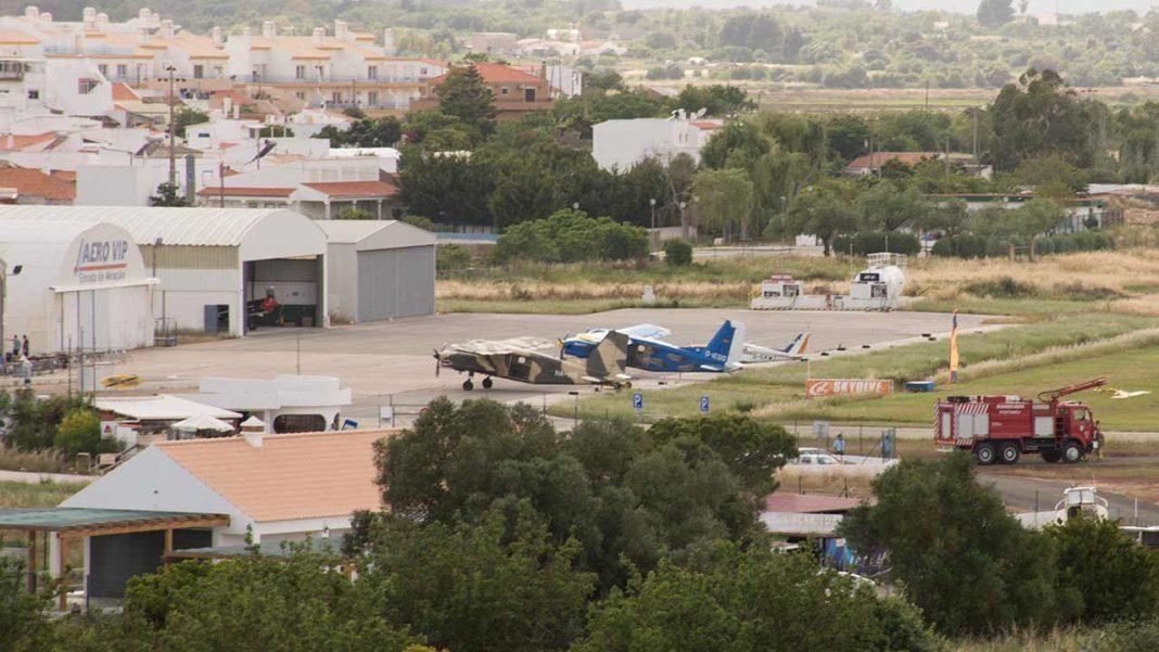 Jovem paraquedista morre em acidente no Aeródromo de Portimão esta manhã