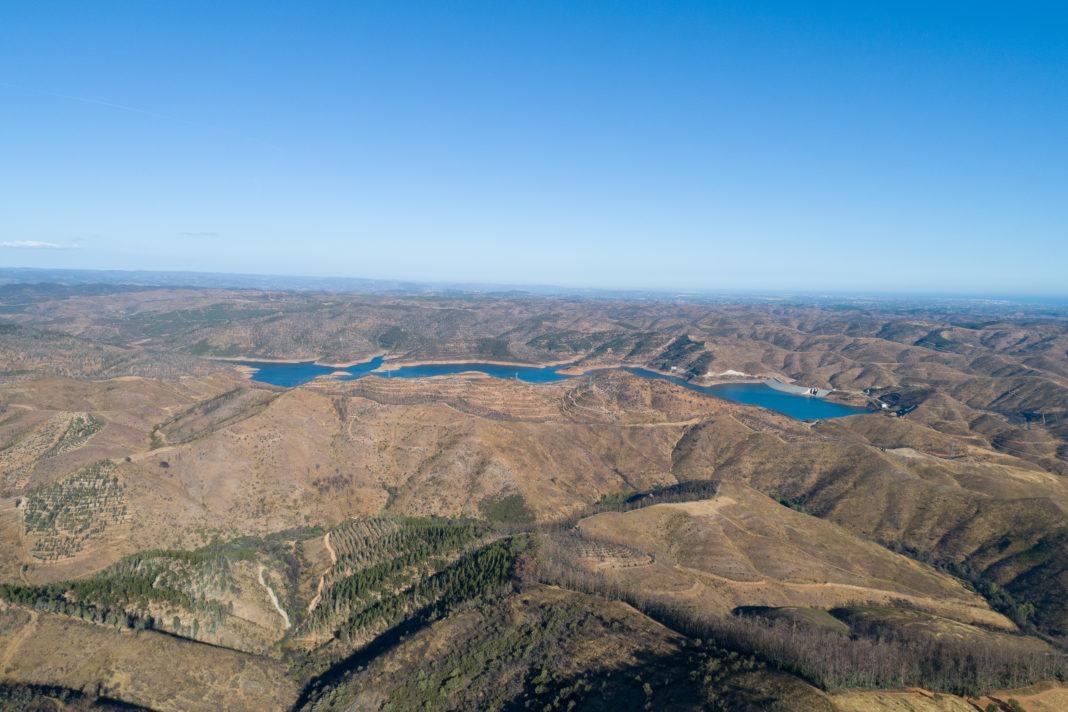 Serra de Monchique e Barragem de Odelouca ao fundo | Agosto de 2019