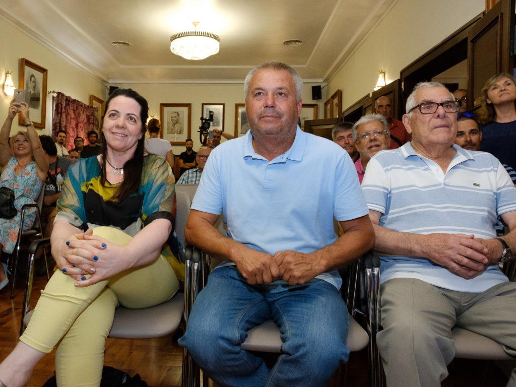 No Salão Nobre, estavam entre muitas outras pessoas, a mãe e o pai de João Rodrigues e Jorge Corvo, antigo ciclista tavirense que também teve uma carreira desportiva brilhante