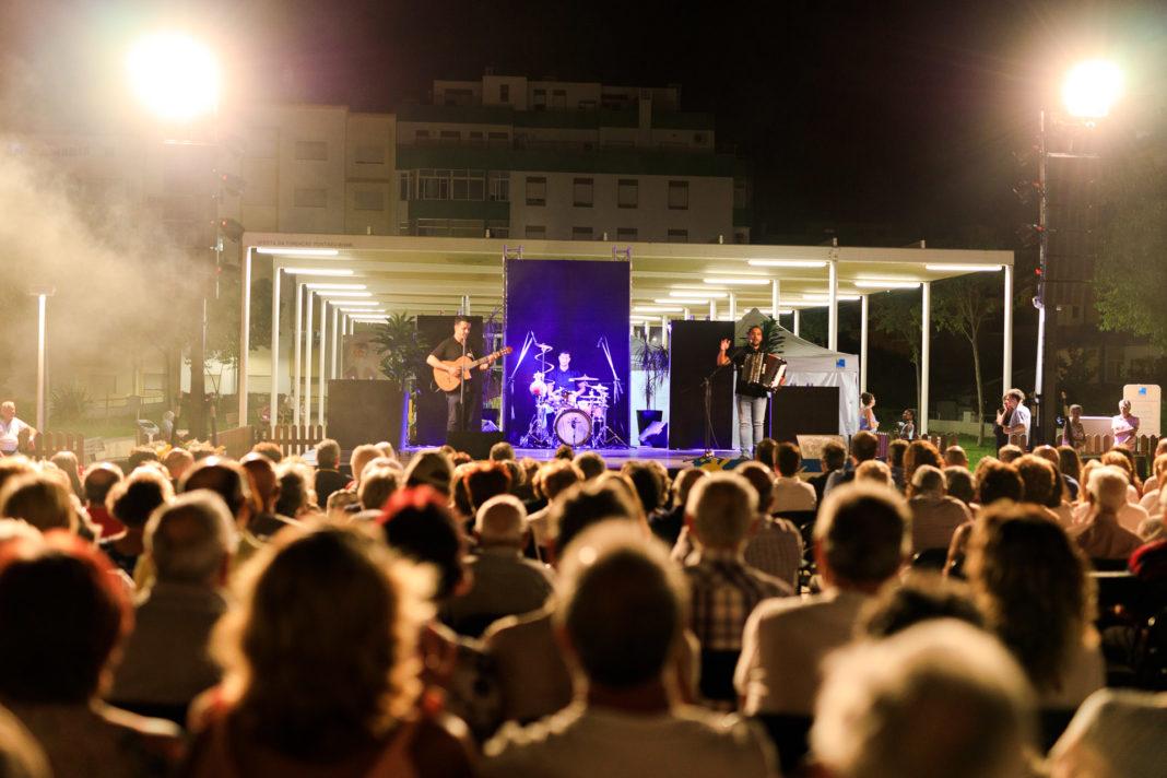 Fole'Percussion num momento de interação com o público, no 5.º Festival de Acordeão João César.