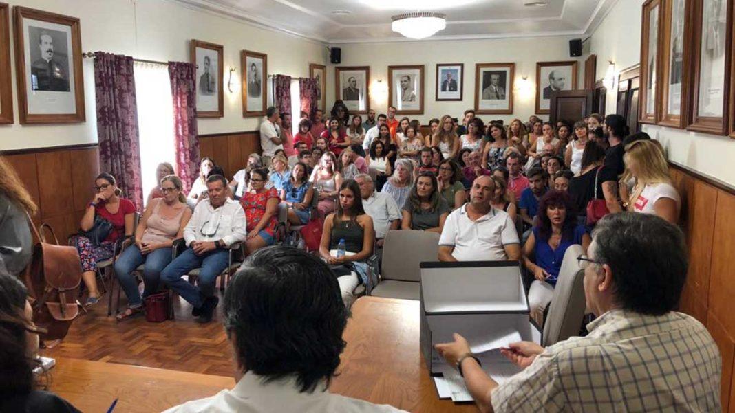 Tavira garante transporte escolar e atribui 126 bolsas a universitários