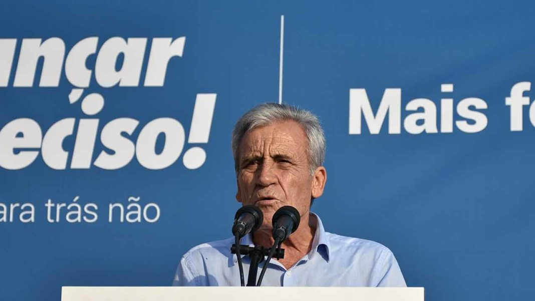No arranque de 2020, o Partido Comunista Português (PCP) realizará no sábado, dia 25 de Janeiro, na Escola EB23 João da Rosa, em Olhão, um jantar/comício que contará com a presença de Jerónimo de Sousa, Secretário-geral do PCP.