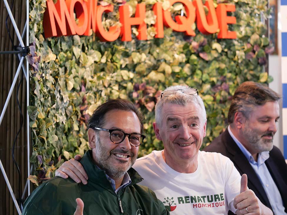 Ryanair aterra em Monchique com donativo de 250 mil euros