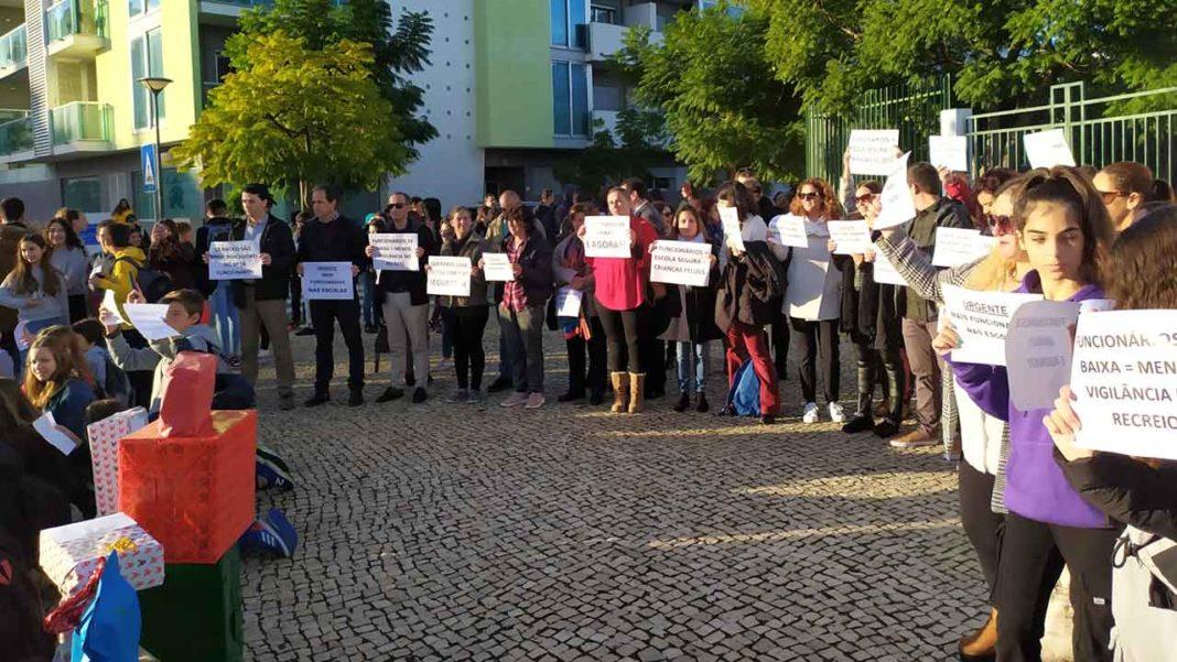 Faro nega responsabilidades na falta de pessoal não docente nas escolas