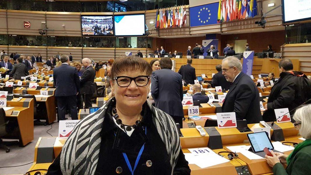Isilda Gomes é membro efetivo no Comité das Regiões da União Europeia. Autarca de Portimão, Isilda Gomes, integra Comissão de Recursos Naturais, que detém pastas tão sensíveis como a saúde pública, a proteção civil, o turismo, as pescas, a economia do mar e a agricultura.