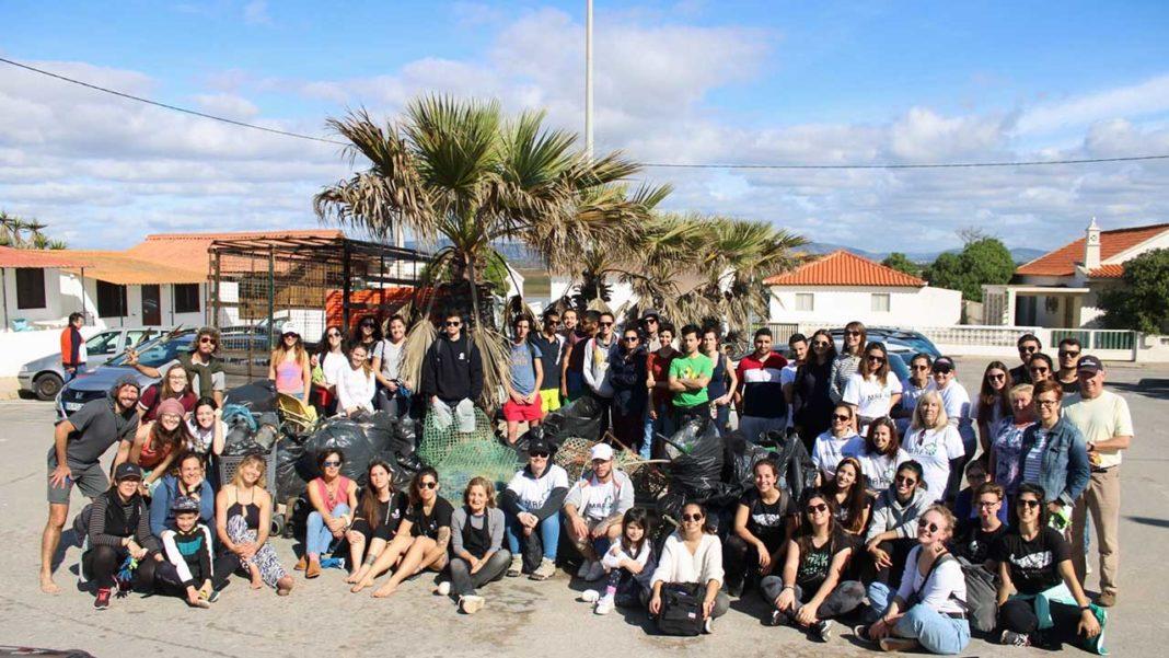Foram 73 os voluntários que se juntaram para proteger a Ria Formosa na primeira limpeza de 2020 da Straw Patrol, que teve lugar ontem, domingo, dia 9 de fevereiro, na Praia de Faro, em mais uma ação de limpeza e sensibilização ambiental.