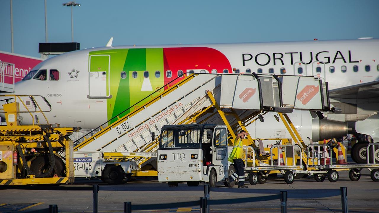 É «inaceitável e condenável que se aproveite o surto epidémico para liquidar direitos laborais, reduzir salários e despedir trabalhadores» no Aeroporto de Faro diz o Partido Comunista Português (PCP).