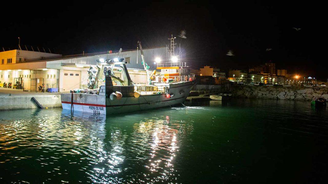O Ministério do Mar tem acompanhado de perto a situação no sector da pesca, mantendo um contacto permanente com as associações que o representam, no sentido de encontrar as melhores soluções para atenuar os impactes sociais e económicos no setor, e garantir as condições de trabalho e rendimentos dos pescadores, no contexto da atual pandemia COVID-19.
