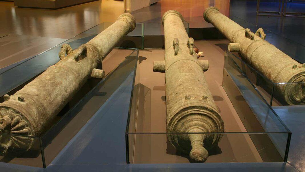 Três dos canhões encontrados no Rio Arade, que estão expostos no Museu de Portimão, foram classificados como Tesouro Nacional a 10 de março pela Direção-Geral do Património Cultural (DGPC) .