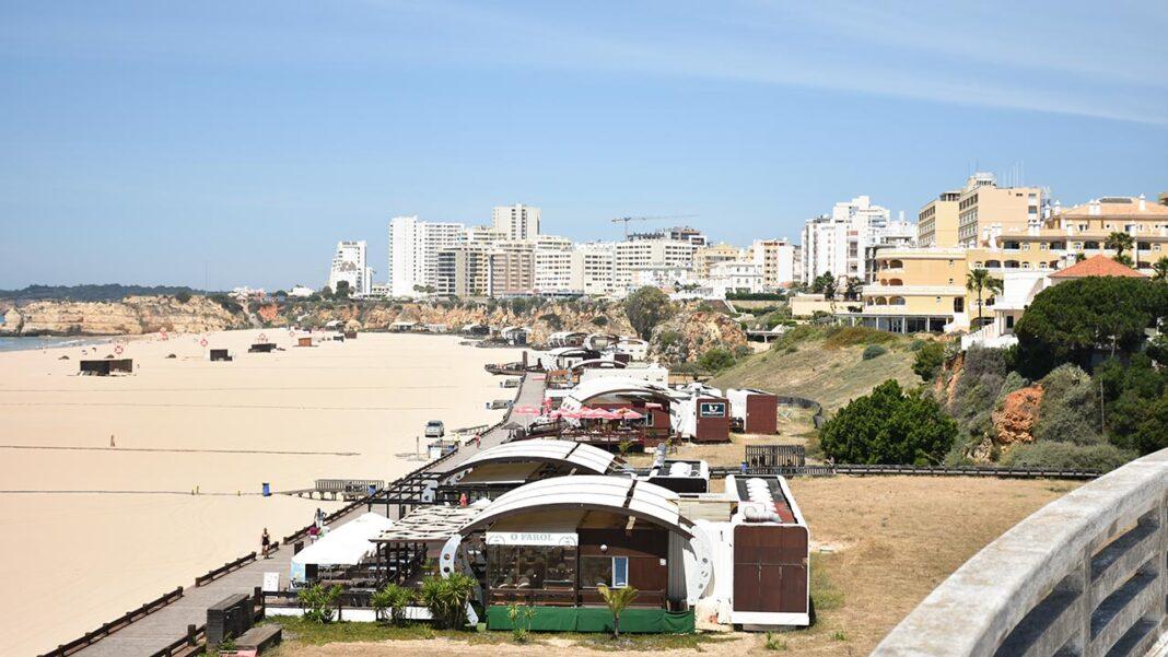 Deputados do Partido Social Democrata (PSD) eleitos pelo Algarve exortam o governo a apresentar com urgência «um programa robusto» para travar a explosão de desemprego na região.