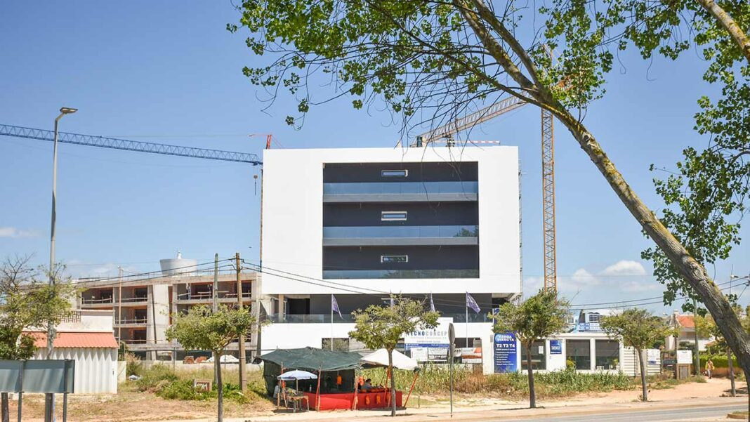 A «fragilidade ambiental» da Suspensão Parcial do Plano Diretor Municipal (PDM) da Praia da Rocha anunciada em novembro 2019 que só foi aprovada agora a 1 de junho, segundo lembra a Comissão Política do Partido Social Democrata (PSD) da concelhia de Portimão.
