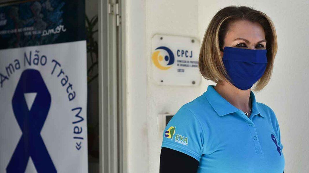 Diretoria do Sul da Polícia Judiciária (PJ), no âmbito da renovação do parque informático, doou 14 equipamentos para a Comissão de Proteção de Crianças e Jovens (CPCJ) de Faro distribuir por quem mais precisa.