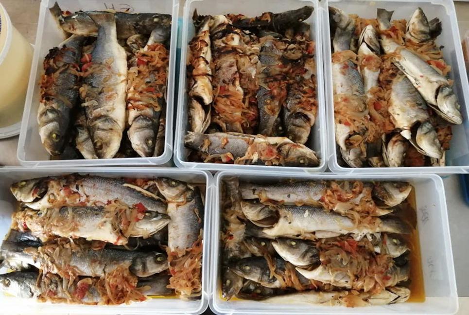 EHTA confeciona refeições para a Refood Faro