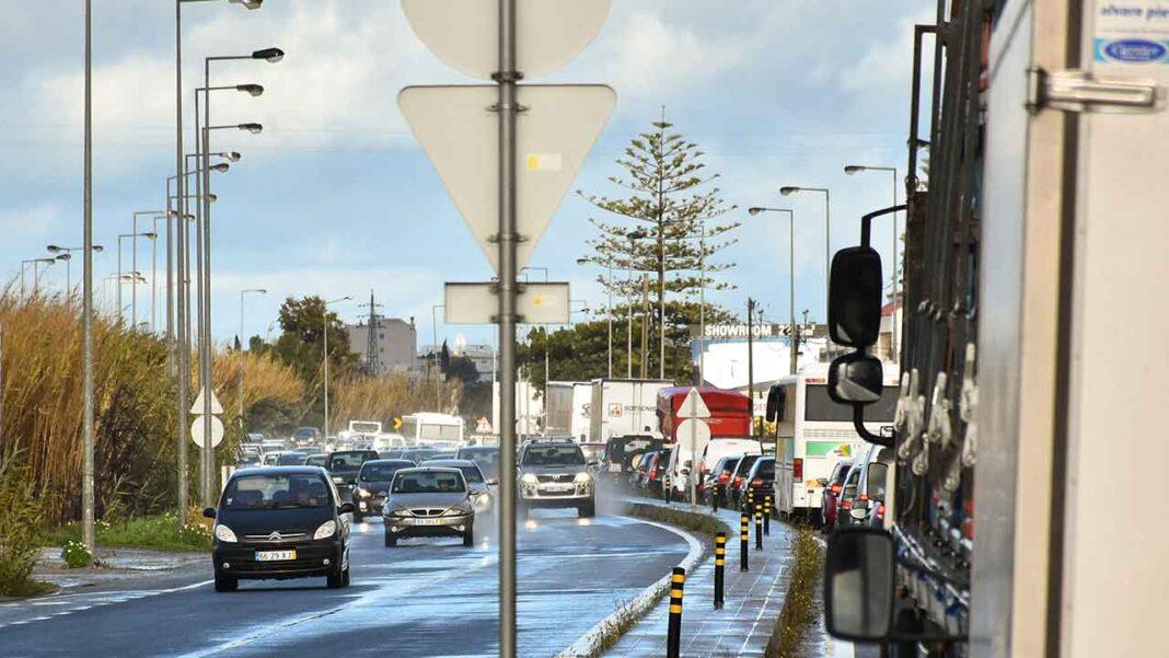 Foram já lançados os concursos públicos para as obras de melhoria da rede rodoviária da Subconcessão do Algarve Litoral (SCAL). O anúncio foi feito pelo Conselho de Administração das Infraestruturas de Portugal, que reuniu recentemente com a Comunidade Intermunicipal do Algarve – AMAL.