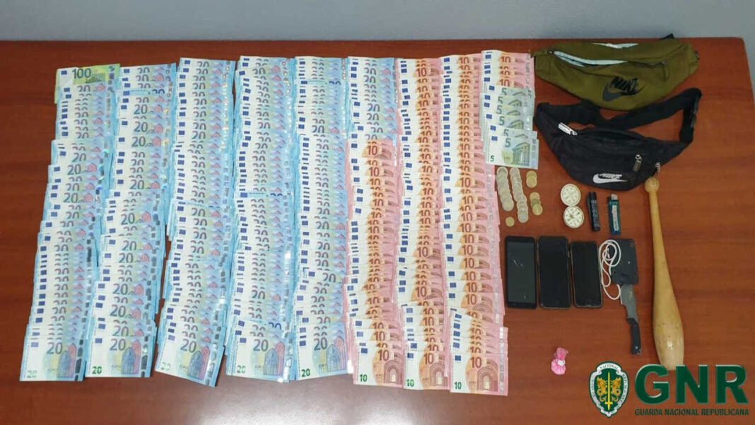 GNR apreende dinheiro e droga em Vilamoura