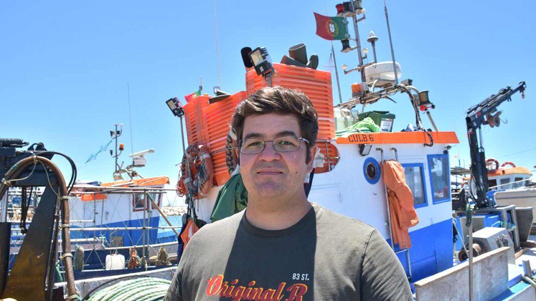 Fez em junho um ano que participei enquanto público numa sessão ordinária da Assembleia Municipal de Loulé, onde tive a oportunidade de apresentar diversas preocupações relacionadas com as necessárias melhorias de segurança no Porto de Pesca de Quarteira.