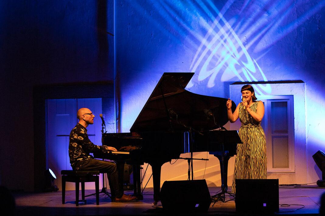Filipe Raposo e Rita Maria encerraram o «Jazz no Palácio», em Tavira.