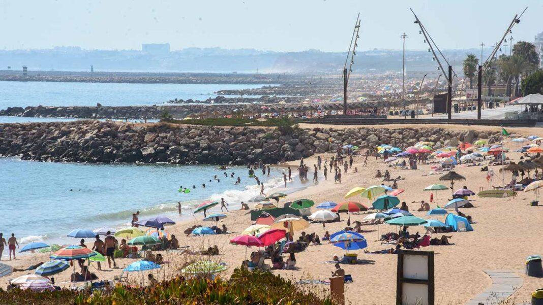 Desde desde 1931 que não havia um mês de julho tão quente. O valor médio da temperatura média do ar, 25,08 graus centígrados, em julho de 2020, foi muito superior ao normal, ou seja, +2.91°C segundo informou hoje o Instituto Português do Mar e da Atmosfera (IPMA).