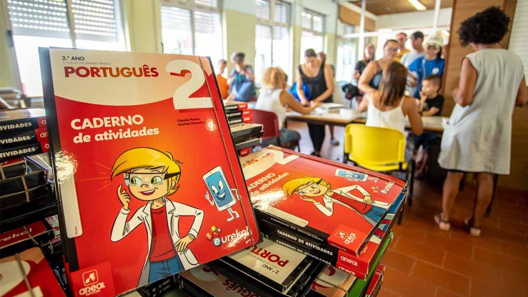 Município de Olhão vai, mais uma vez, no ano letivo 2020/21, oferecer a todos os alunos do 1º Ciclo do ensino básico, kits de material escolar, bem como os respetivos cadernos de exercícios.