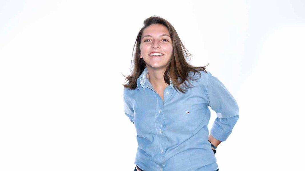 Jovem algarvia Ana Margarida Picoito, 23 anos, natural da Fuzeta, vence prémio nacional de melhor programadora informática.