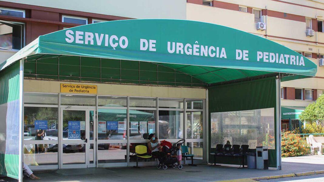 O Centro Hospitalar Universitário do Algarve (CHUA) conta com 42 vagas para a contratação de médicos, em diversas especialidades, no âmbito do concurso nacional publicado no dia 4 de setembro em Diário da República com o objetivo de reforçar o Serviço Nacional de Saúde (SNS) com mais 950 profissionais da área médica.
