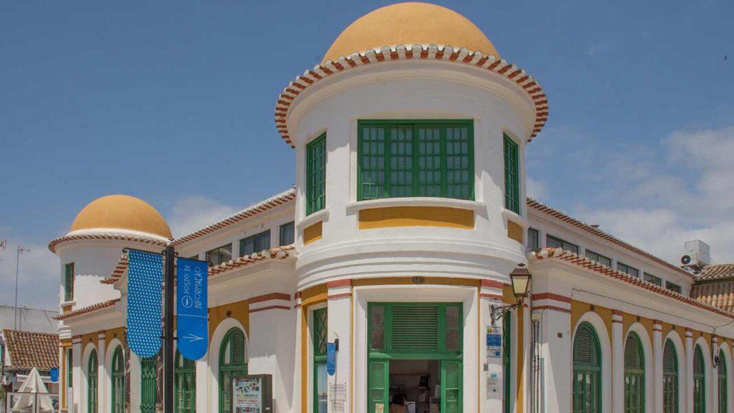 Os equipamentos culturais do município de Vila Real de Santo António (Biblioteca Municipal, Centro Cultural António Aleixo e Arquivo Histórico Municipal) obtiveram a credenciação «Clean & Safe», atribuída pelo Turismo de Portugal, garantindo assim a sua segurança face à pandemia de Covid-19.