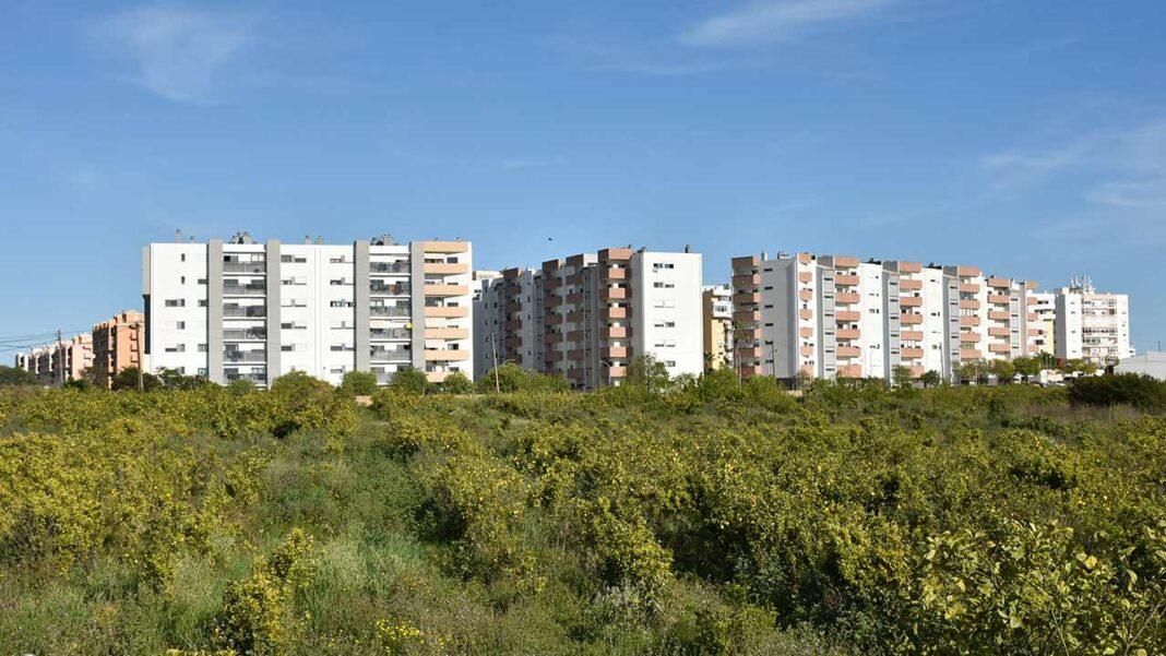 Câmara Municipal de Faro reduz IMI para 0,35 por cento em 2021. Pacote Fiscal aprovado ontem prevê ainda uma diminuição da derrama e apoios às famílias com filhos a cargo.