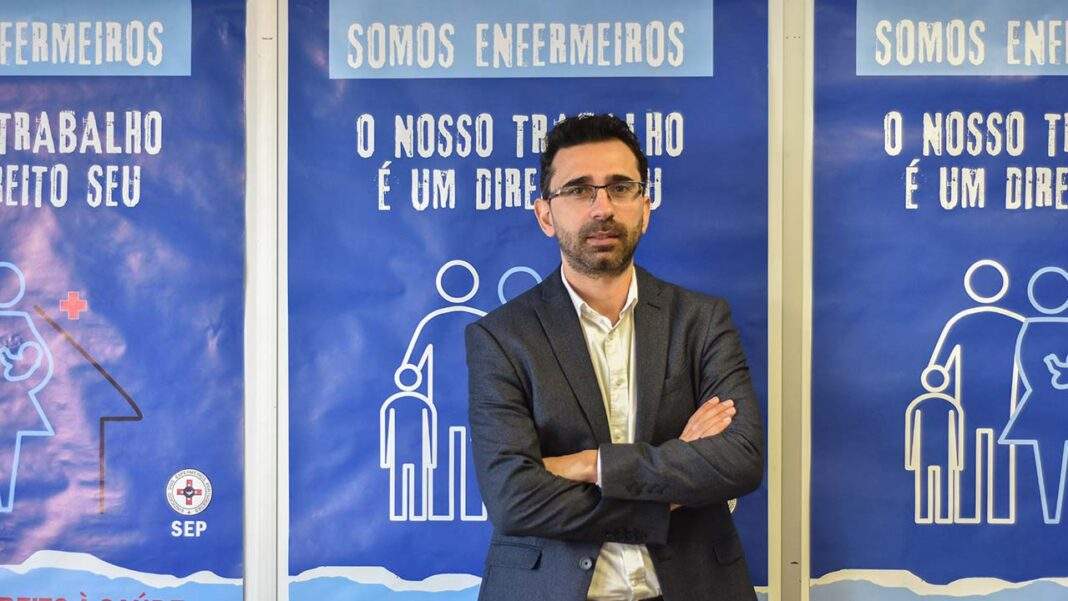 Enfermeiros Algarvios entregam amanhã às 10h na Assembleia da República uma petição com mais de 4600 assinaturas, exigindo que o Centro Hospitalar e Universitário do Algarve e Administração Regional de Saúde do Algarve cumpram os compromissos que assumiram.
