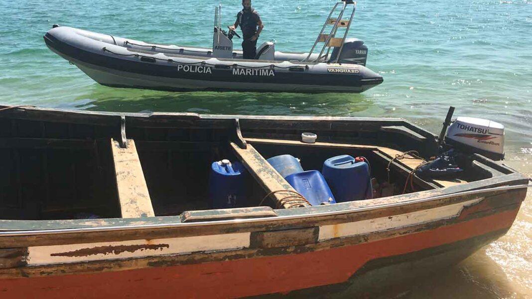 Comando-local da Polícia Marítima de Faro e a Guarda Nacional Republicana intercetaram hoje 28 migrantes marroquinos que chegaram à ilha Deserta, em Faro, a bordo de uma embarcação sobrelotada.