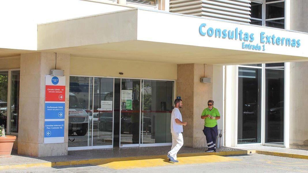 Sindicato dos Médicos da Zona Sul acusa Administração Regional de Saúde (ARS) do Algarve de querer contratar médicos sem formação especifica para esconder a política de desinvestimento no Serviço Nacional de Saúde (SNS).