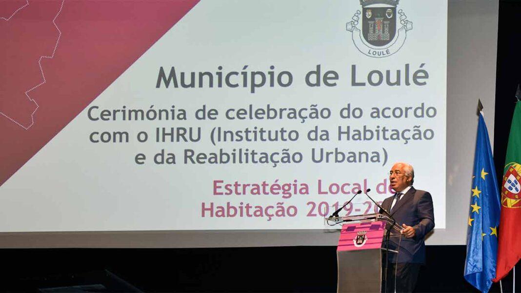 António Costa elogia Loulé como «exemplo na região e no país» nas políticas de habitação.