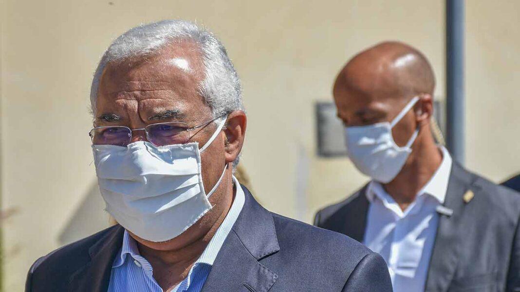 O primeiro-Ministro António Costa elogiou hoje a «decisão difícil» do parlamento de impor o uso de máscara na rua e avisou que não pode excluir medidas mais drásticas como o recolher obrigatório caso a situação de pandemia se agrave no país.