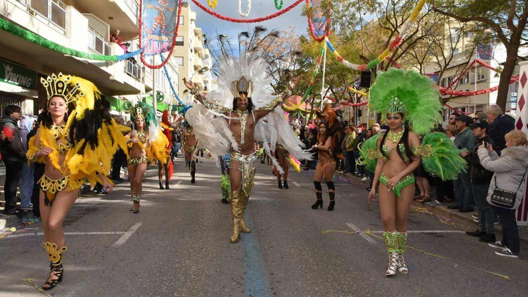 Face ao crescente número de infetados pela COVID-19 no país e em todo o mundo, assim como aos importantes problemas económicos resultantes dos períodos de confinamento, a Câmara Municipal decidiu cancelar o tradicional desfile de Carnaval em Loulé.